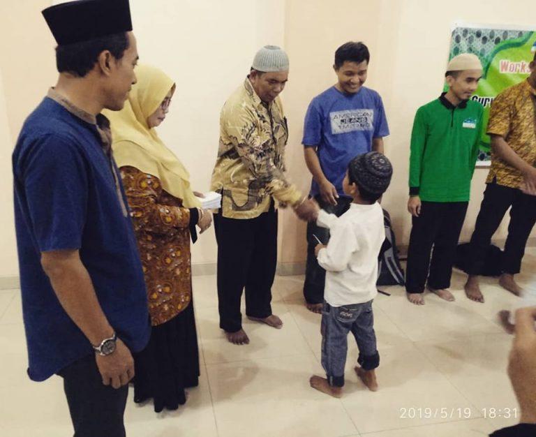 Guru Agama Islam diajari membuat artikel