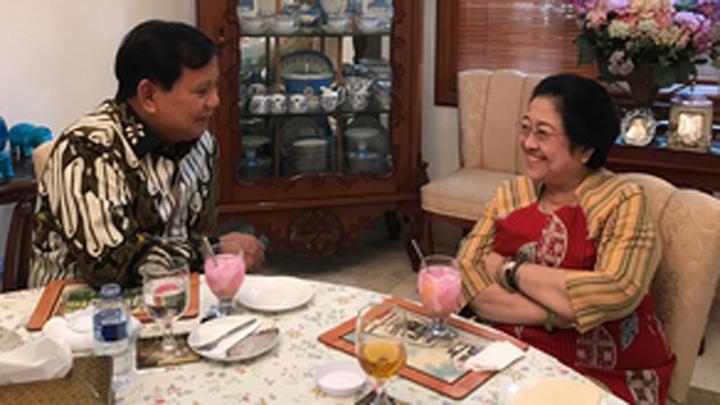 Nasi goreng Megawati mencairkan suasana