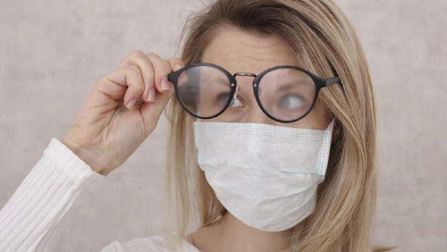 Kiat Cegah Kacamata Berkabut Saat Pakai Masker