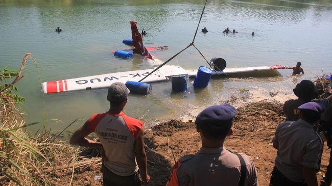 Pilot Wanita Pesawat MAF jatuh, Mayatnya Ditemukan di Danau Sentani