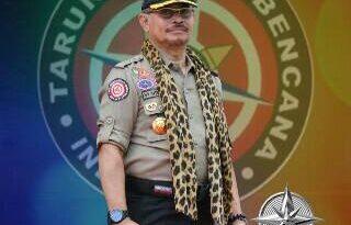 Mentan Syahrul Yasin Limpo Klaim Kalung Kayu Putih Ampuh Lawan Virus Corona