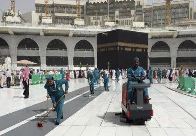 Arab Saudi Kembali Buka Layanan Umrah, Israel Pasang Pengeras Suara